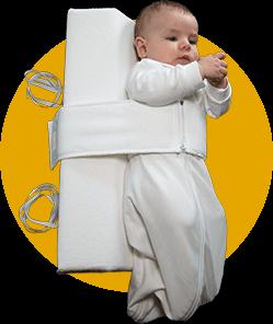 Das Baby Lagerungskissen von VARILAG anlegen Bild 2